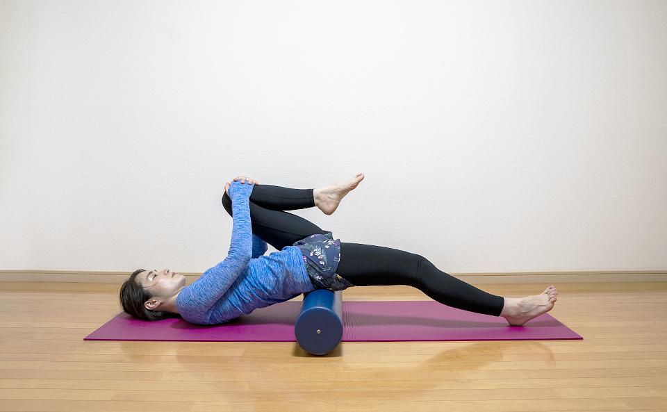ストレッチポールで股関節を柔らかくする方法