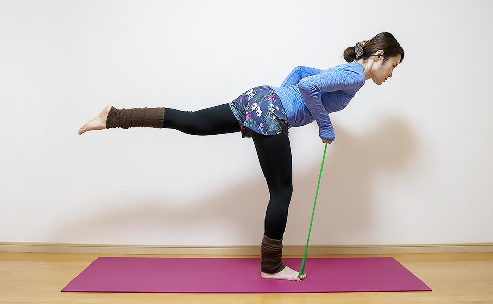 フロッグハンド6「負荷を上げて足の指・足裏・体幹のバランストレーニング」