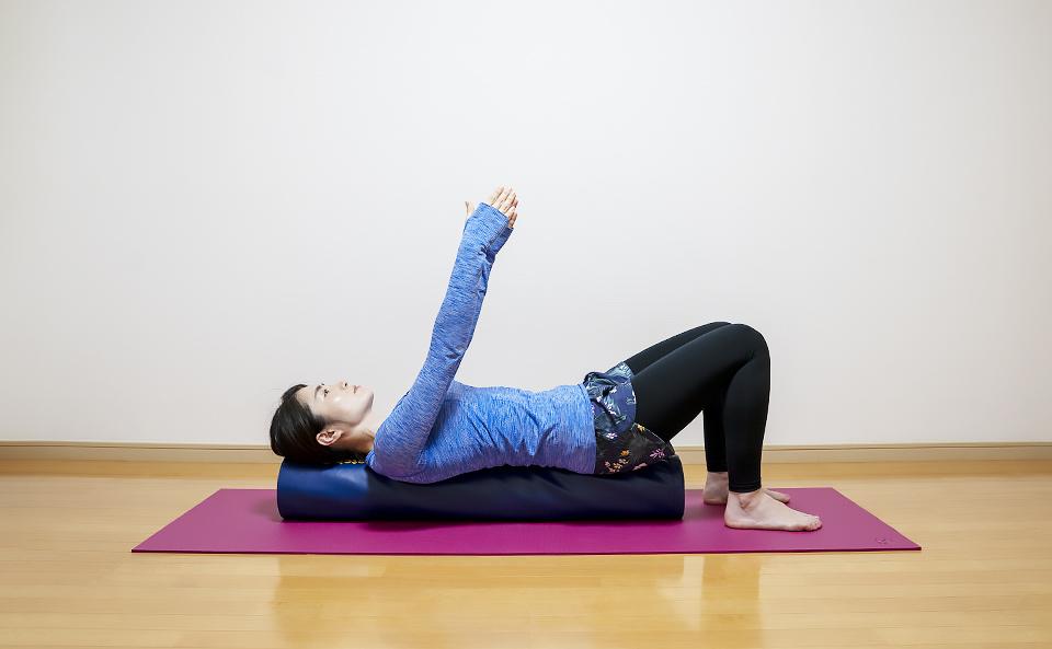 ストレッチポールで肩甲骨を緩める方法12選!