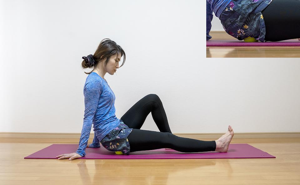 お尻の筋肉がほぐれるように体重をかける