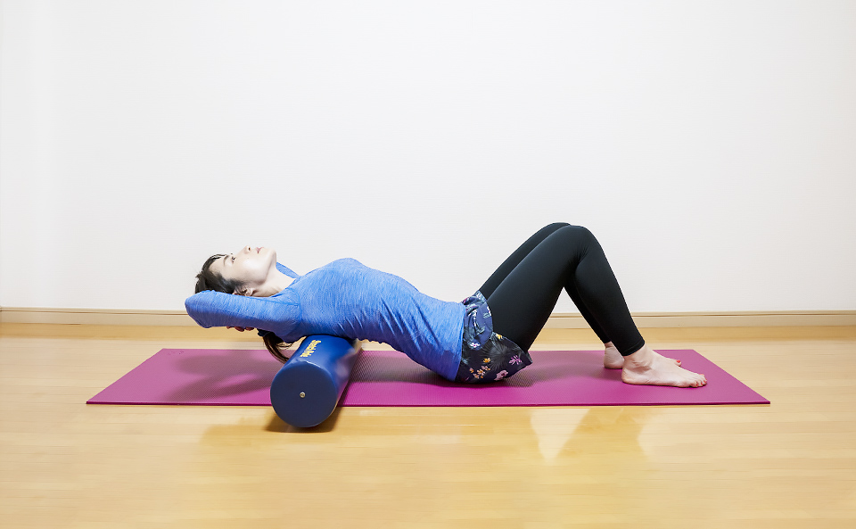 ストレッチポールで胸を開く・反る・伸ばす方法