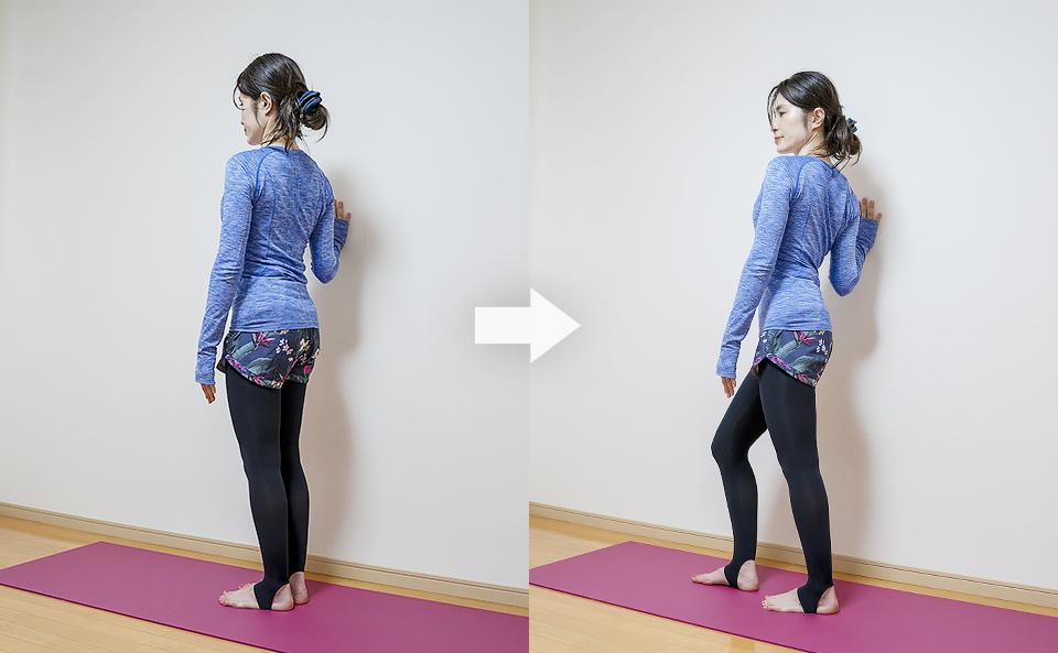 立ったまま壁を使う肩甲骨周りのストレッチ